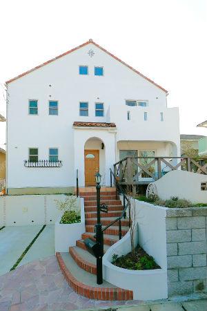 ah_house1.jpg