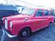 車内でフルメイクから着替えまでできる「ピンクのBifesTAXI(ビフェスタクシー)」運行決定