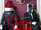 「NO MORE映画泥棒」初のファンブック、カメラ男とパトランプ男のグラビアを収録