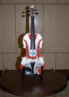 一品物のウルトラバイオリン。価格78万円も抽選販売に