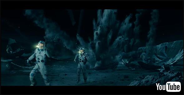戦闘は月面でも
