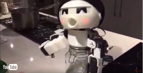 お酒を飲んでくれるロボット