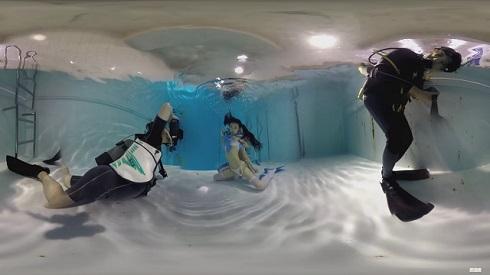 全天球カメラのとらえた「水中ニーソ」撮影風景