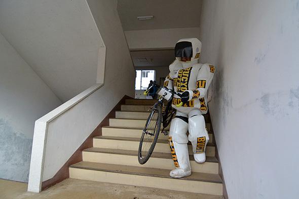 ASIMOも走ります
