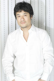 DJオイリー役の藤原啓治さん