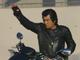 「ネオサイクロン号」で爆走する本郷猛! 映画「仮面ライダー1号」予告編で45年ぶりの変身ポーズを披露
