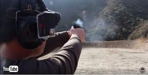ドローンを撃ち落とす動画
