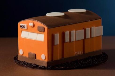 車両型ケーキ