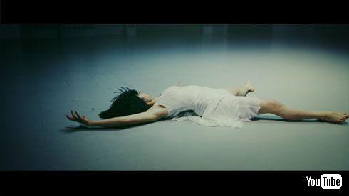 Sia「Alive(アライヴ)」日本版MV