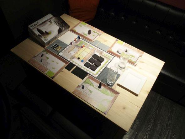 グリュック テーブル