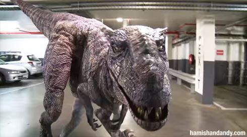 恐竜ドッキリ