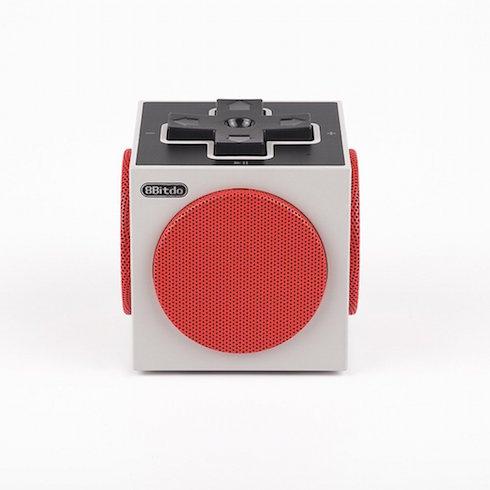 キューブ型スピーカー「8Bitdo」