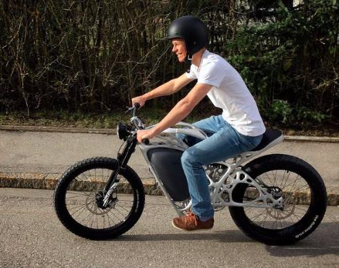 3Dプリンター製の電動バイク