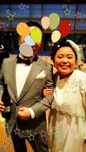 結婚式の報告をするニッチェ・江上敬子