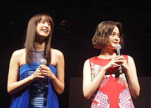 映画「貞子vs伽椰子」完成記念イベントの山本美月さん玉城ティナさん
