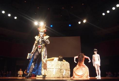 映画「貞子vs伽椰子」完成記念イベントのデーモン閣下、貞子、伽椰子、俊雄