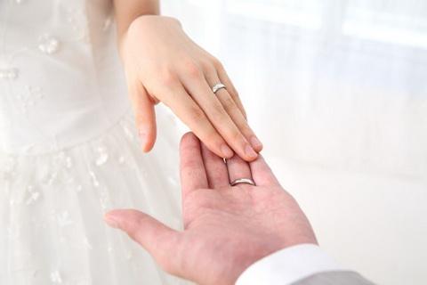 誤送信から結婚へ