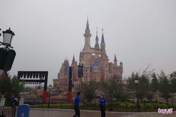 上海ディズニーランドオープン