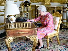 90歳を迎えた英国エリザベス女王がツイート 誕生日をお祝いしてくれた人々に感謝のメッセージ