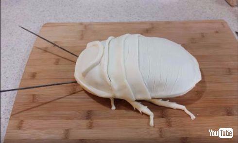 スポンジケーキがゴキブリに