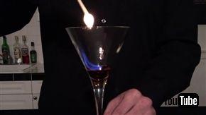 幻想的なカクテル「氷と炎の歌」