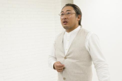 秋山さん演じるトータル・脳ガズム・アドバイザーのパール川辺