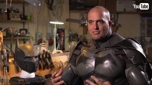 多機能過ぎる「バットマン」コスプレがギネス認定