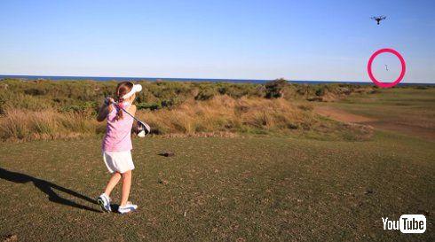 ゴルフ 女の子 8歳 ドローン 打ち落とす