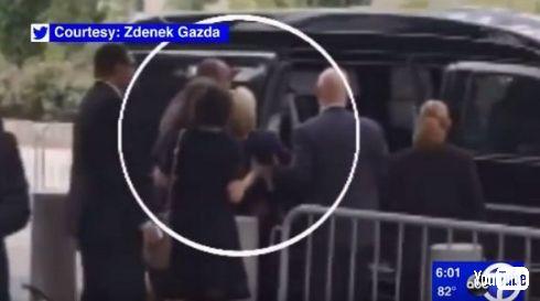9.11の追悼式を途中退席するヒラリー・クリントン