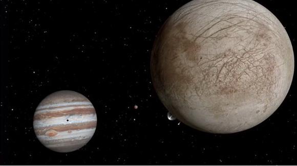 エウロパ表面から水分噴出