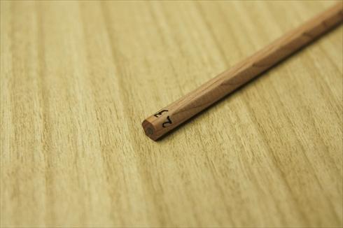 鉛筆ころがし