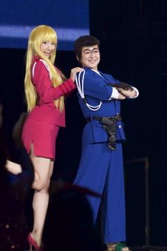 共にAKB48の伊豆田莉奈さんと柏木由紀さんは「こちら葛飾区亀有公園前派出所」両津勘吉・秋本麗子にコスプレ