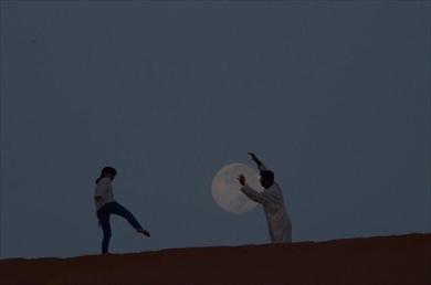 お月さん捕まえた