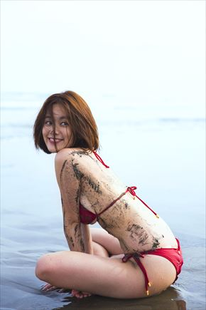 筧美和子さんの写真集「Parallel」より