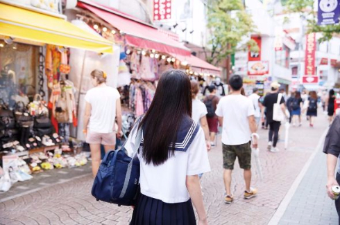 女子高生AI りんな パネル展 ファンブック 発売記念