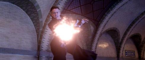 「ファンタビ」激しい魔法戦