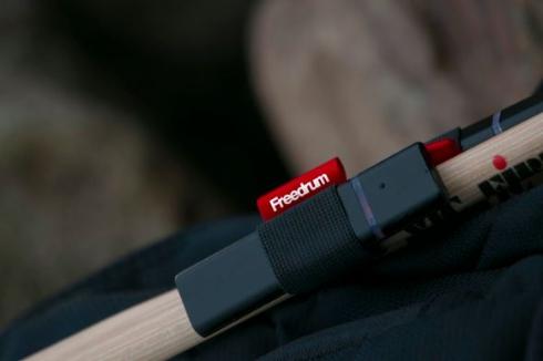 ドラムが叩けるセンサー「Freedrum」