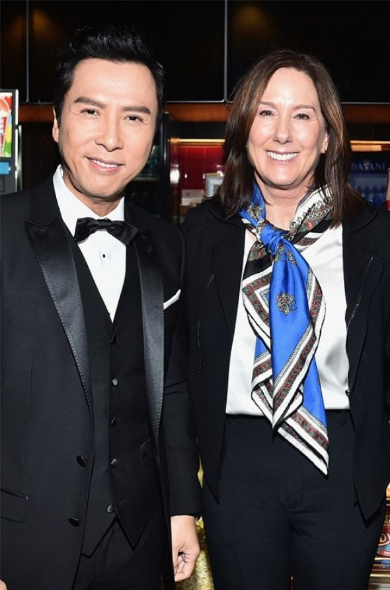 ドニー・イェンのハリウッド殿堂入りを祝うキャスリーン・ケネディ
