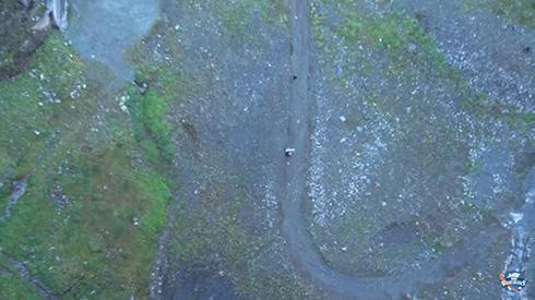 ダム湖からロングシュート