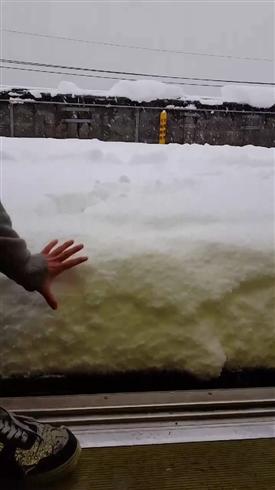 湖西線・志賀駅のホームが超積雪