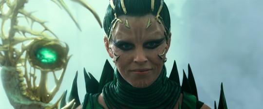 かつて古代の地球を脅かした悪の戦士リタ・レプルサ