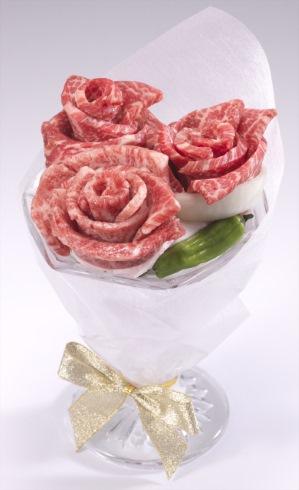牛角 肉ブーケ 肉ケーキ