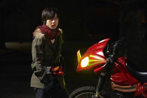 ネオに変身する少年・千翼を演じるのは前嶋曜さん