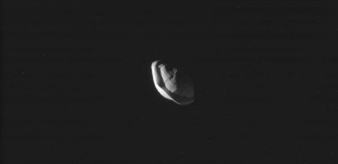 NASA 土星 衛星 パン 餃子