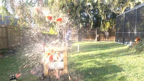 スイカ 2万ボルト 電圧 爆発