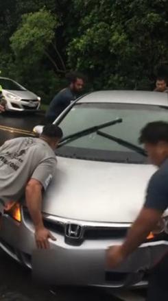 ラグビー選手 サンウルブズ ニュージーランド 救助 車 事故