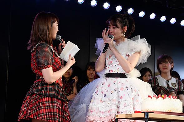 秋元康さんからの手紙に涙が止まらない小嶋さん