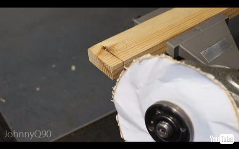 もっと大きな紙を使って、より厚みのあるものをカット