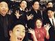 """伊勢谷友介、「安定のセルフィー」と定評のある集合写真が""""いろいろ分かってる"""""""