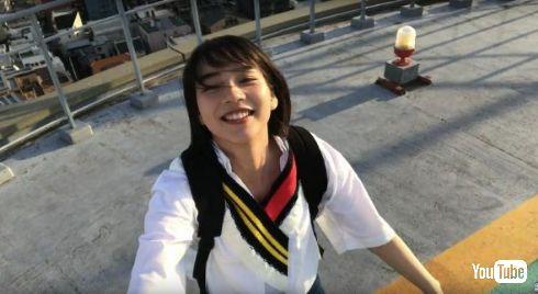 のんが出演した「ミクロボーイとマクロガール」MV